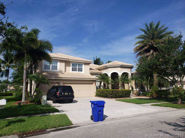 1860 NW 168th Ave, Pembroke Pines, FL 33028 (MLS #A10743968) :: Green Realty Properties