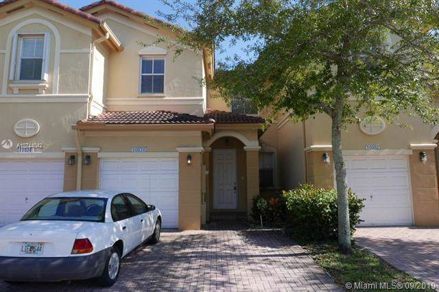 10878 NW 78th Ter #10878, Doral, FL 33178 (MLS #A10744042) :: The Jack Coden Group