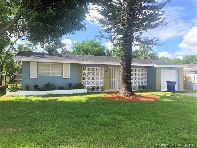 7680 Venetian St, Miramar, FL 33023 (MLS #A10744063) :: The Jack Coden Group
