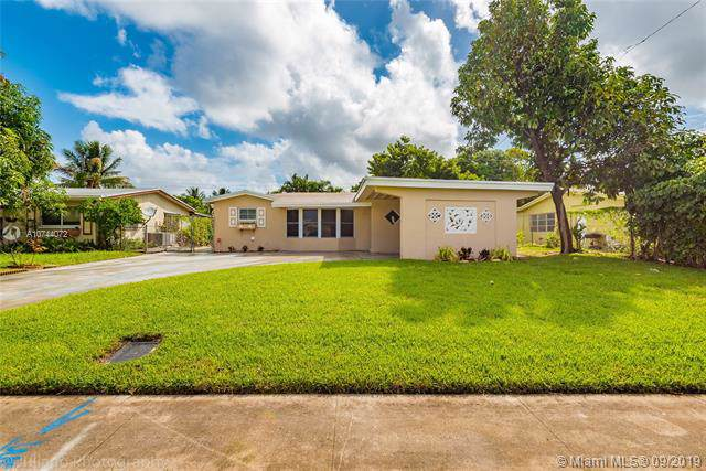 3532 NW 39th Ave, Lauderdale Lakes, FL 33309 (MLS #A10744072) :: Lucido Global