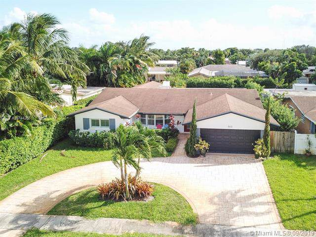 5012 Mckinley St, Hollywood, FL 33021 (MLS #A10744258) :: RE/MAX Presidential Real Estate Group