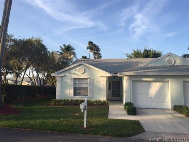2265 SE 5th Ct, Homestead, FL 33033 (MLS #A10744405) :: Berkshire Hathaway HomeServices EWM Realty