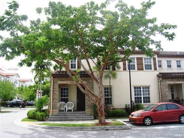 9248 SW 170th Pl, Miami, FL 33196 (MLS #A10744562) :: The Paiz Group
