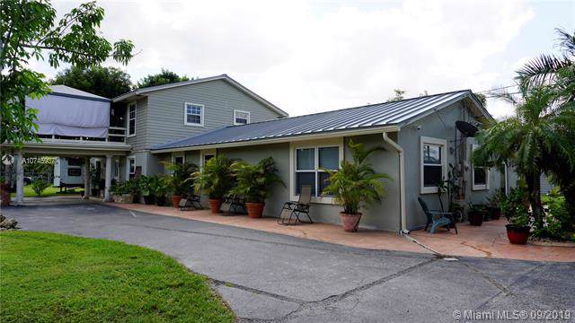 16100 SW 272nd St, Homestead, FL 33031 (MLS #A10745937) :: Ray De Leon with One Sotheby's International Realty