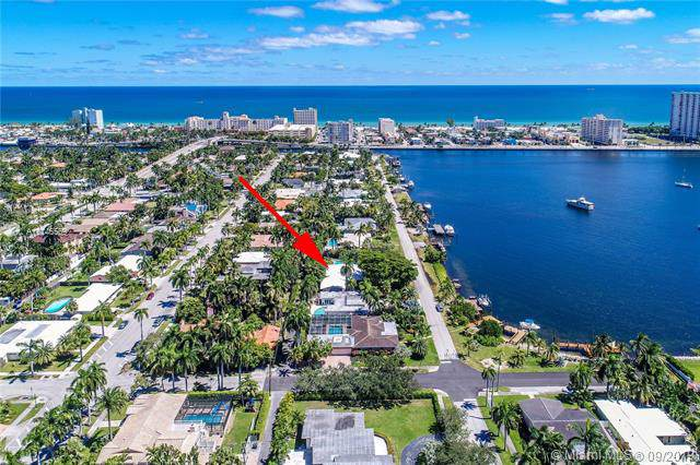 823 N Southlake Dr, Hollywood, FL 33019 (MLS #A10746559) :: Ray De Leon with One Sotheby's International Realty