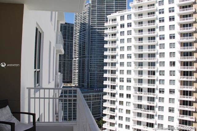Miami, FL 33131 :: Berkshire Hathaway HomeServices EWM Realty