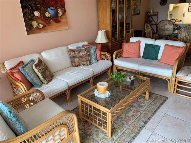 8421 Lagos De Campo Blvd 302T, Tamarac, FL 33321 (MLS #A10748151) :: Castelli Real Estate Services