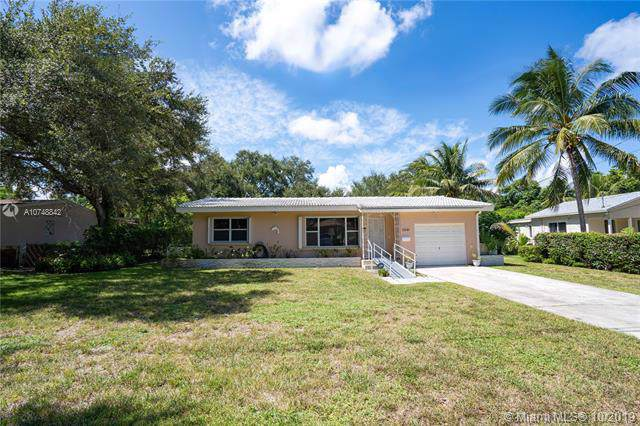 13240 NE 4th Ave, North Miami, FL 33161 (MLS #A10748842) :: Ray De Leon with One Sotheby's International Realty