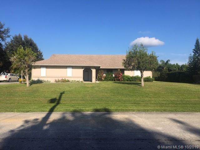 2049 SE Hanford Rd, Port Saint Lucie, FL 34952 (MLS #A10749040) :: Albert Garcia Team