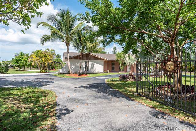 30815 SW 194th Ave, Homestead, FL 33030 (MLS #A10749182) :: Grove Properties