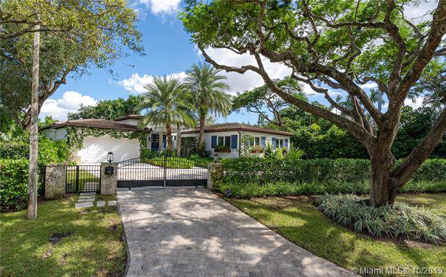 907 Jeronimo Dr, Coral Gables, FL 33146 (MLS #A10749617) :: Grove Properties