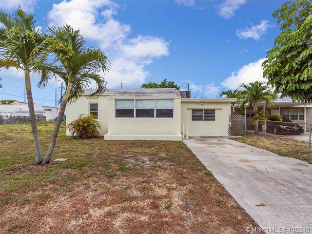 2118 Harding St, Hollywood, FL 33020 (MLS #A10750150) :: Ray De Leon with One Sotheby's International Realty