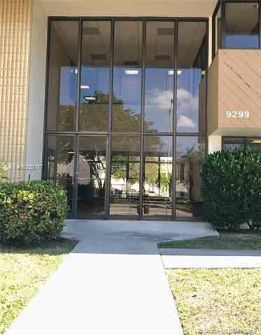 9299 Sw 152 Street 200EFN, Palmetto Bay, FL 33157 (MLS #A10750177) :: The Erice Group