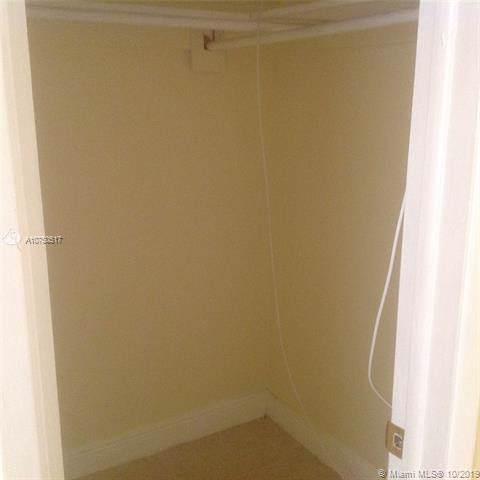 241 SE 9th Ave #102, Pompano Beach, FL 33060 (MLS #A10750517) :: Grove Properties