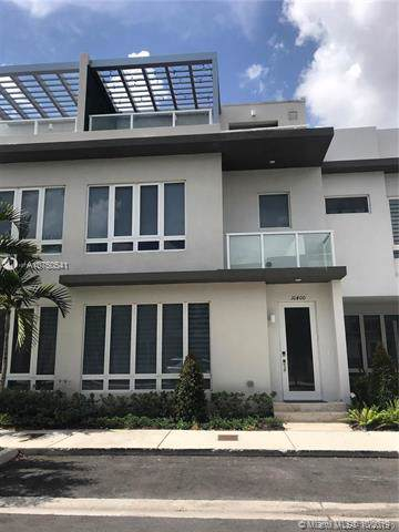 10400 NW 63rd Ter, Doral, FL 33178 (MLS #A10750541) :: Ray De Leon with One Sotheby's International Realty