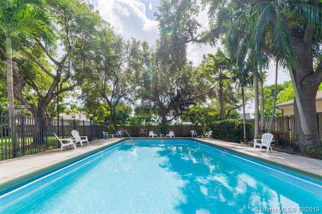 2820 N 34th Ave #6, Hollywood, FL 33021 (MLS #A10750764) :: Grove Properties