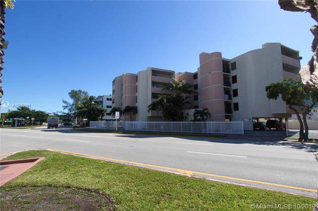 2000 Biarritz Dr #504, Miami, FL 33141 (MLS #A10750991) :: GK Realty Group LLC