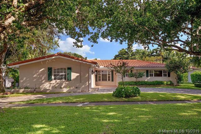 1415 Baracoa Ave, Coral Gables, FL 33146 (MLS #A10751385) :: The Paiz Group