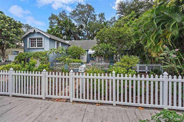 8225 NE 8th Ct, Miami, FL 33138 (MLS #A10751631) :: Ray De Leon with One Sotheby's International Realty