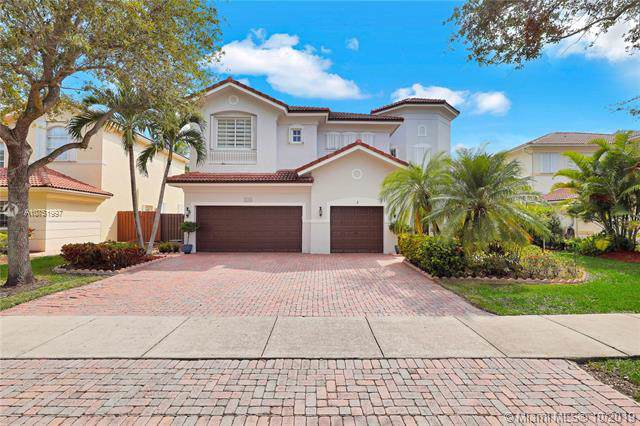 11212 NW 71st Ter, Doral, FL 33178 (MLS #A10751997) :: The Paiz Group