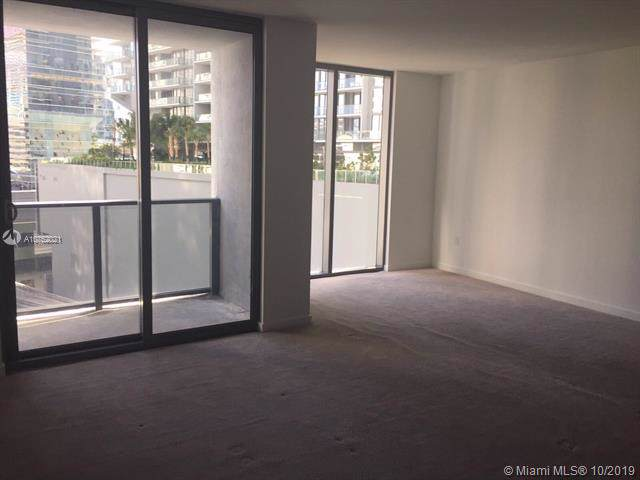 31 SE 6th St #403, Miami, FL 33131 (MLS #A10752021) :: Grove Properties