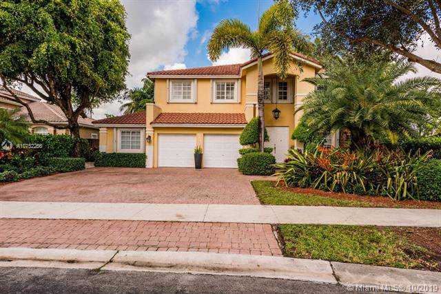6942 NW 112th Ave, Doral, FL 33178 (MLS #A10752256) :: The Paiz Group