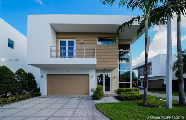 7435 NW 97th Ct, Doral, FL 33178 (MLS #A10752547) :: The Adrian Foley Group
