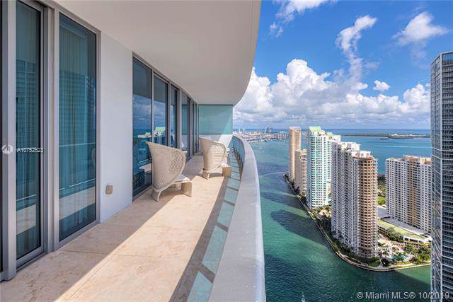 200 Biscayne Boulevard Way #4802, Miami, FL 33131 (MLS #A10752623) :: Ray De Leon with One Sotheby's International Realty