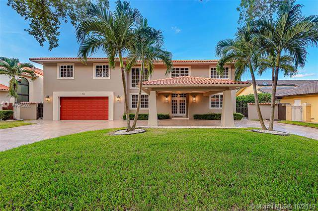 7911 NW 169th Ter, Miami Lakes, FL 33016 (MLS #A10752860) :: RE/MAX Presidential Real Estate Group
