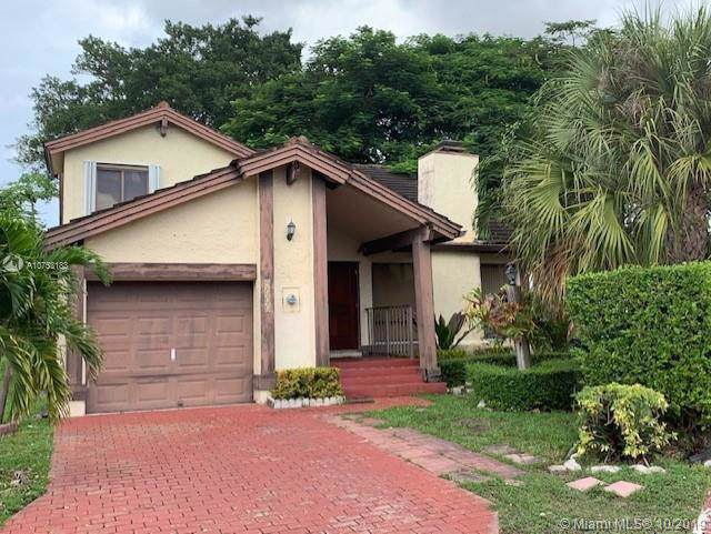 9535 SW 148th Ave Cir E, Miami, FL 33196 (MLS #A10753183) :: The Paiz Group
