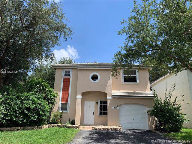 860 NW 98th Ave, Plantation, FL 33324 (MLS #A10753264) :: Grove Properties