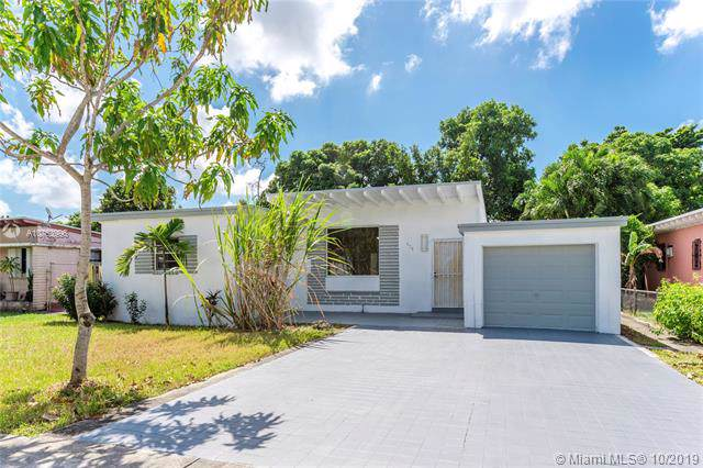 420 NW 111 Street, Miami Shores, FL 33168 (MLS #A10753996) :: The Jack Coden Group