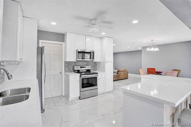 7221 La Croix Dr, Hollywood, FL 33024 (MLS #A10754148) :: Grove Properties