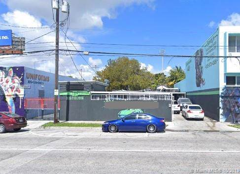 561 NW 29th St, Miami, FL 33127 (MLS #A10755552) :: Albert Garcia Team