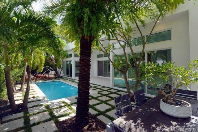 865 W 47th St, Miami Beach, FL 33140 (MLS #A10755644) :: Laurie Finkelstein Reader Team