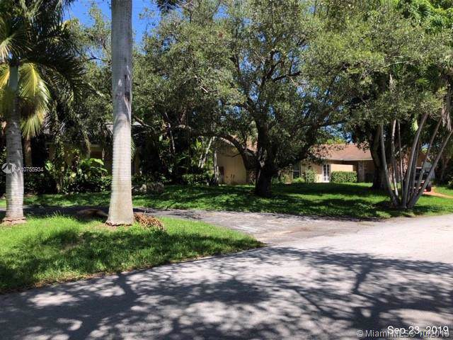 7841 SW 183rd Ter, Palmetto Bay, FL 33157 (MLS #A10755934) :: The Erice Group