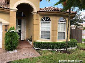 8409 NW 110th Ave, Doral, FL 33178 (MLS #A10755945) :: Laurie Finkelstein Reader Team