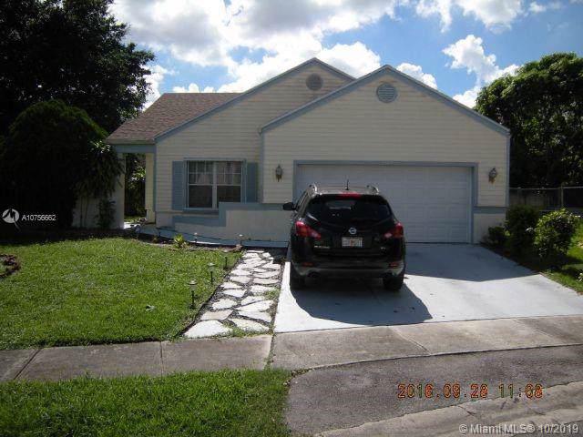 1140 SW 87th Ave, Pembroke Pines, FL 33025 (MLS #A10756662) :: Green Realty Properties