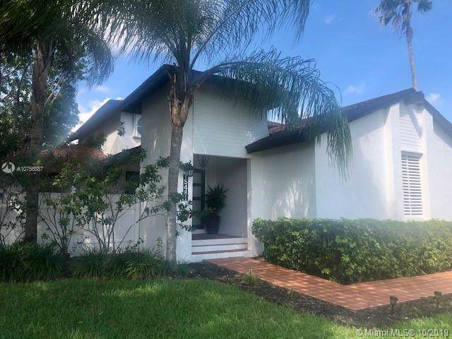 15481 SW 153rd St, Miami, FL 33187 (MLS #A10756887) :: RE/MAX Presidential Real Estate Group