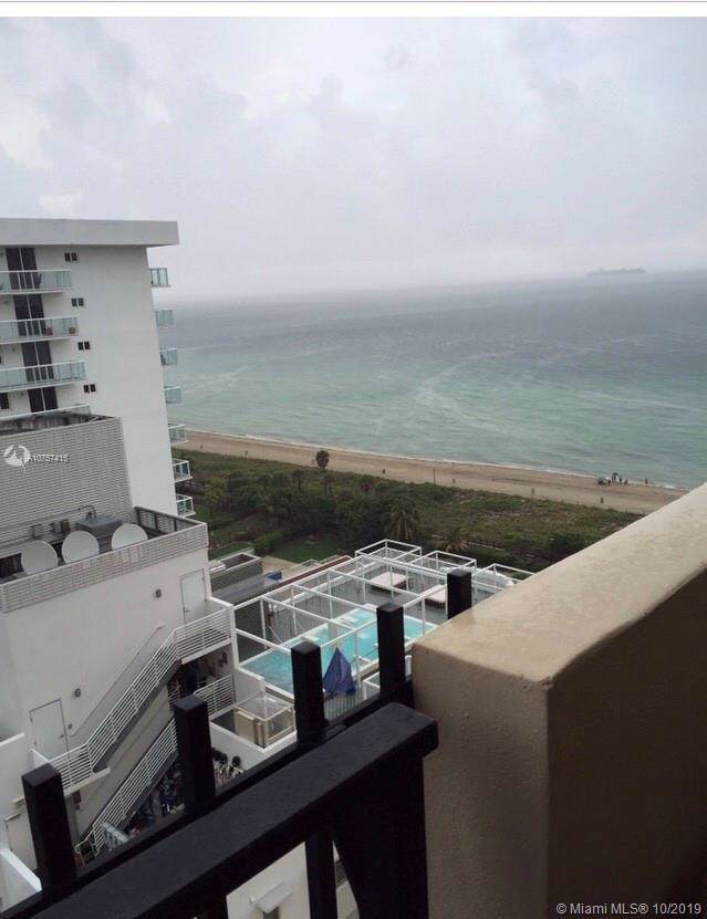 2401 Collins Ave #1810, Miami Beach, FL 33140 (MLS #A10757415) :: The Teri Arbogast Team at Keller Williams Partners SW