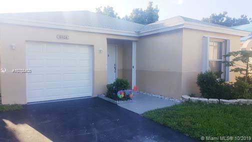 4404 SW 72nd Way, Davie, FL 33314 (MLS #A10758438) :: United Realty Group