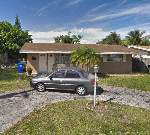 7801 NW 13th St, Pembroke Pines, FL 33024 (MLS #A10758595) :: United Realty Group
