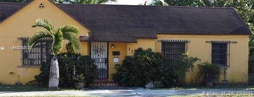 120 W 39th Pl, Hialeah, FL 33012 (MLS #A10760633) :: Grove Properties