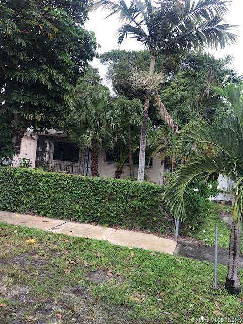 4435 E 8th Ln, Hialeah, FL 33013 (MLS #A10764024) :: Laurie Finkelstein Reader Team