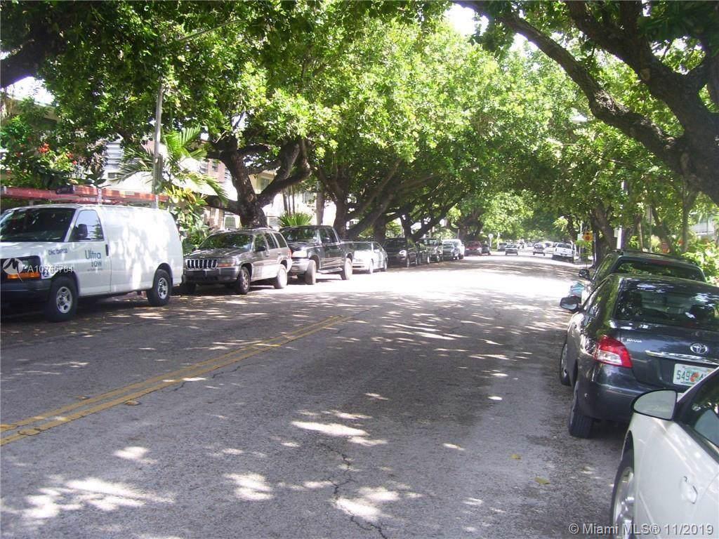 1325 Meridian Ave - Photo 1
