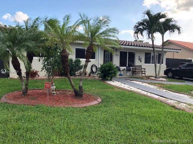 10480 SW 41st Ter, Miami, FL 33165 (MLS #A10766101) :: Laurie Finkelstein Reader Team