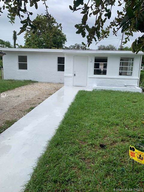 409 NW 19th Ave, Fort Lauderdale, FL 33311 (MLS #A10768298) :: GK Realty Group LLC