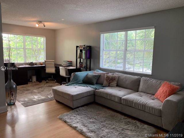 365 86th Ave - Photo 1