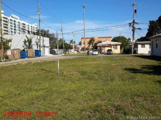 2037 Jackson St, Hollywood, FL 33020 (MLS #A10771285) :: Lucido Global