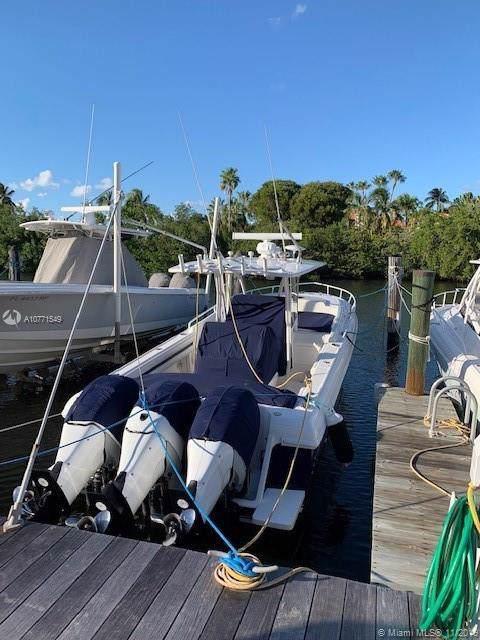 6200 SW 152nd St, Palmetto Bay, FL 33157 (MLS #A10771549) :: Berkshire Hathaway HomeServices EWM Realty